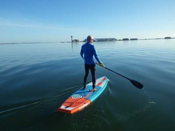 individual paddling on stand up paddle nahskwell fit